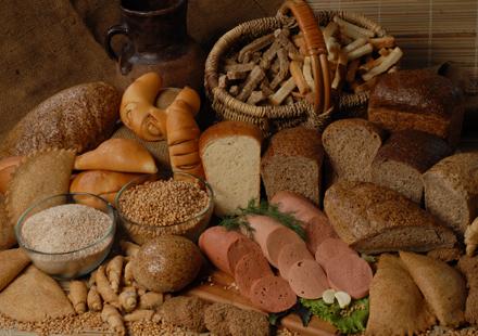 ГМО добавляют в хлеб и колбасу